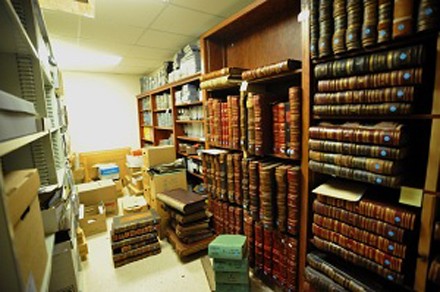 archives-moving-stacks-med