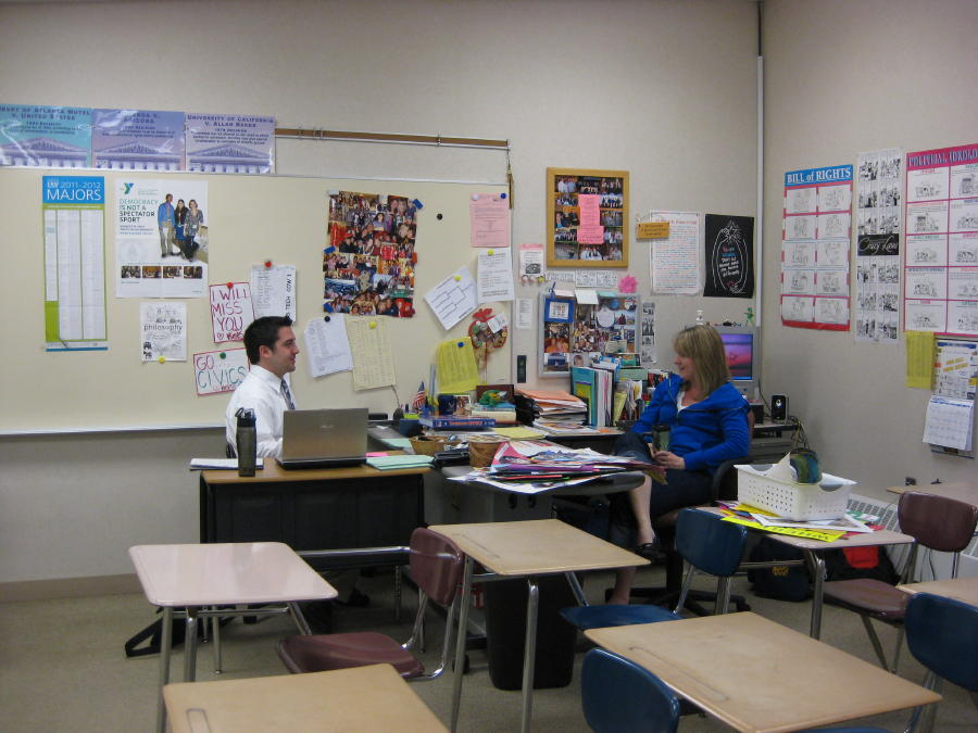 Chad Forde meeting with student teacher