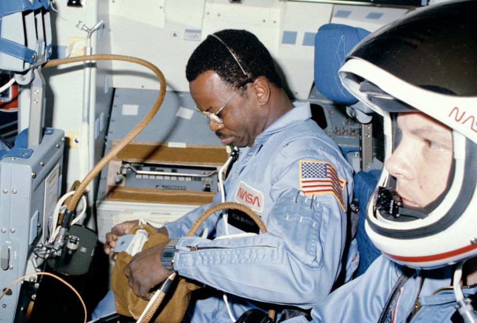 astronauts-mcnair-and-stewart-prepare-for-on-orbit-operations-620015-1024
