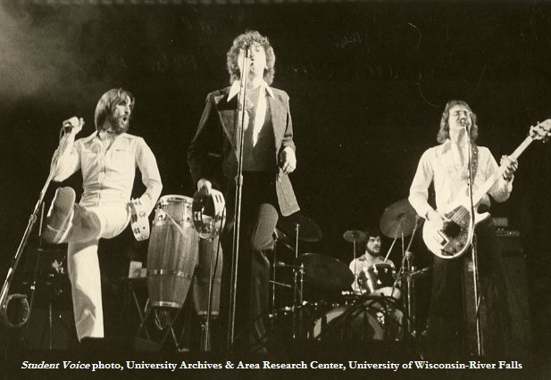 The Cryan' Shames on stage, February 3, 1977