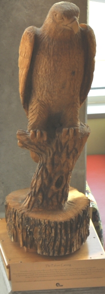 Wooden_Falcon_Carving
